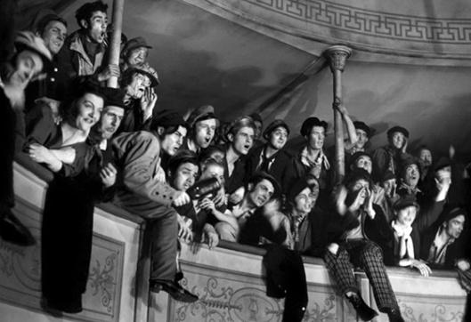 """Imagem de """"Os Rapazes da Geral"""" (Les enfants du paradis, 1945), de Marcel Carné"""